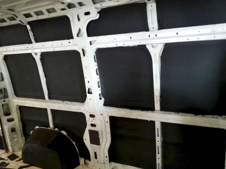 Aislamiento primario y barrera de vapor de las paredes