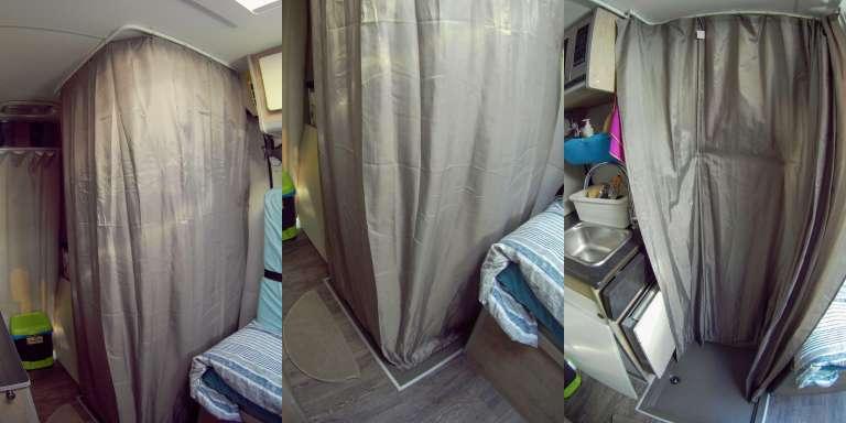 Nuestra ducha con su cortina impermeable
